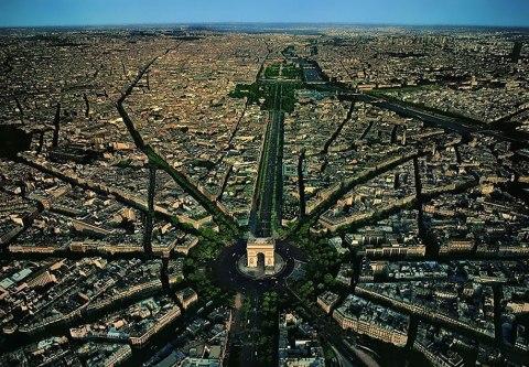 arch_de_triomphe_distance